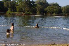 baignade-a-saint-lyphard-avec-les-enfants